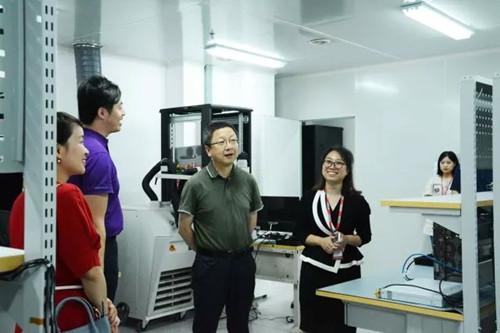 华工科技董事长马新强莅临华工正源成都研发中心调研