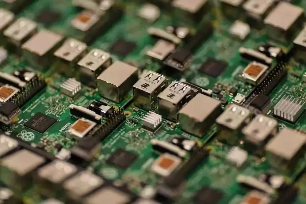 台系半导体厂商陆续到位,矽品晋江厂承接海思 7nm 封装已接单出货