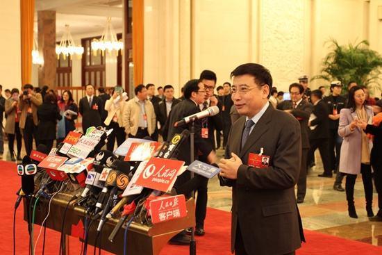 工信部部长苗圩:中国每周增加1万多个5G基站